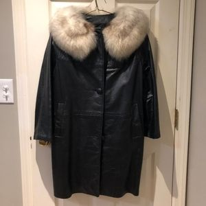 Vintage full leather trench coat w fox fur collar